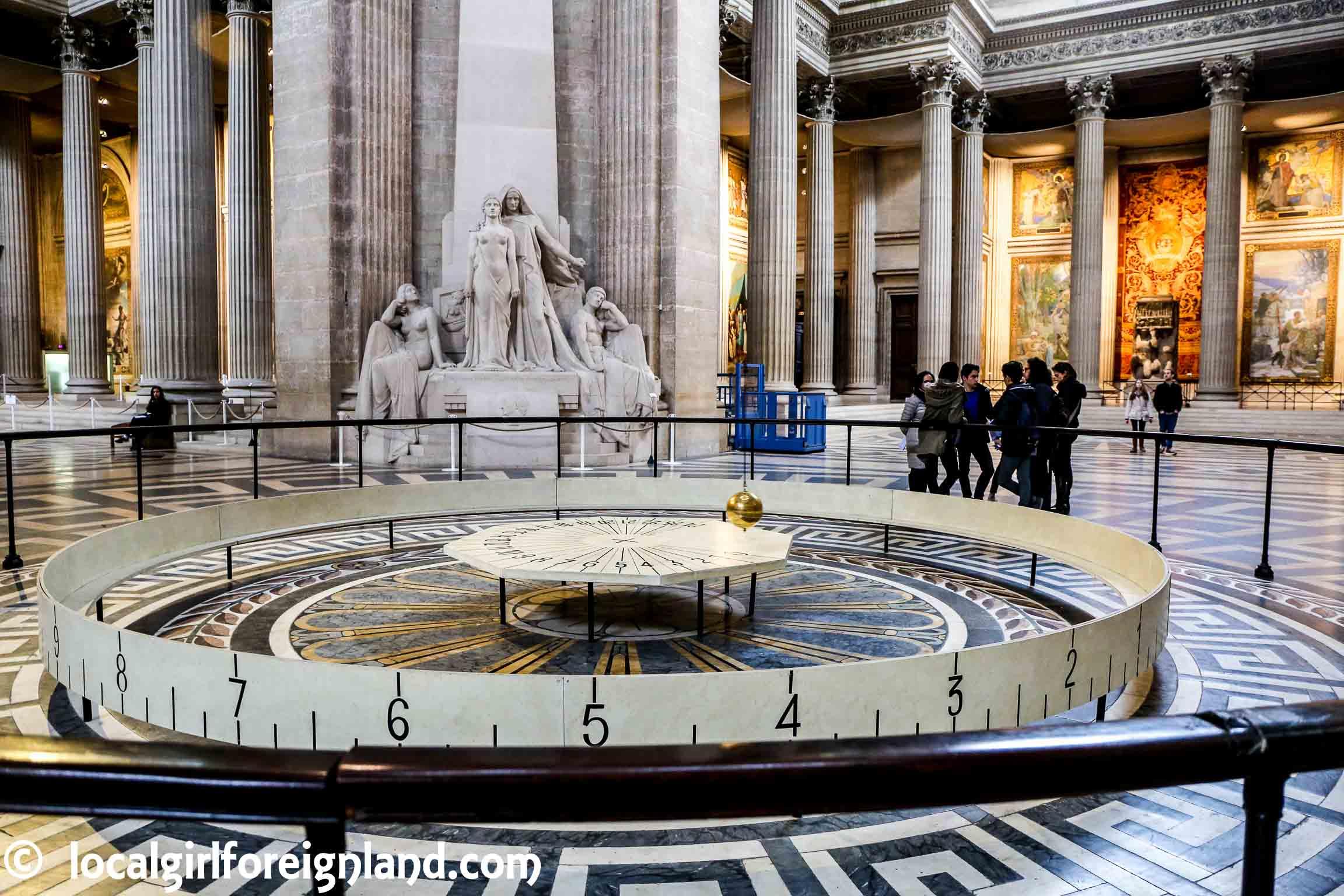 pantheon-pendulum-Léon-Foucault-1