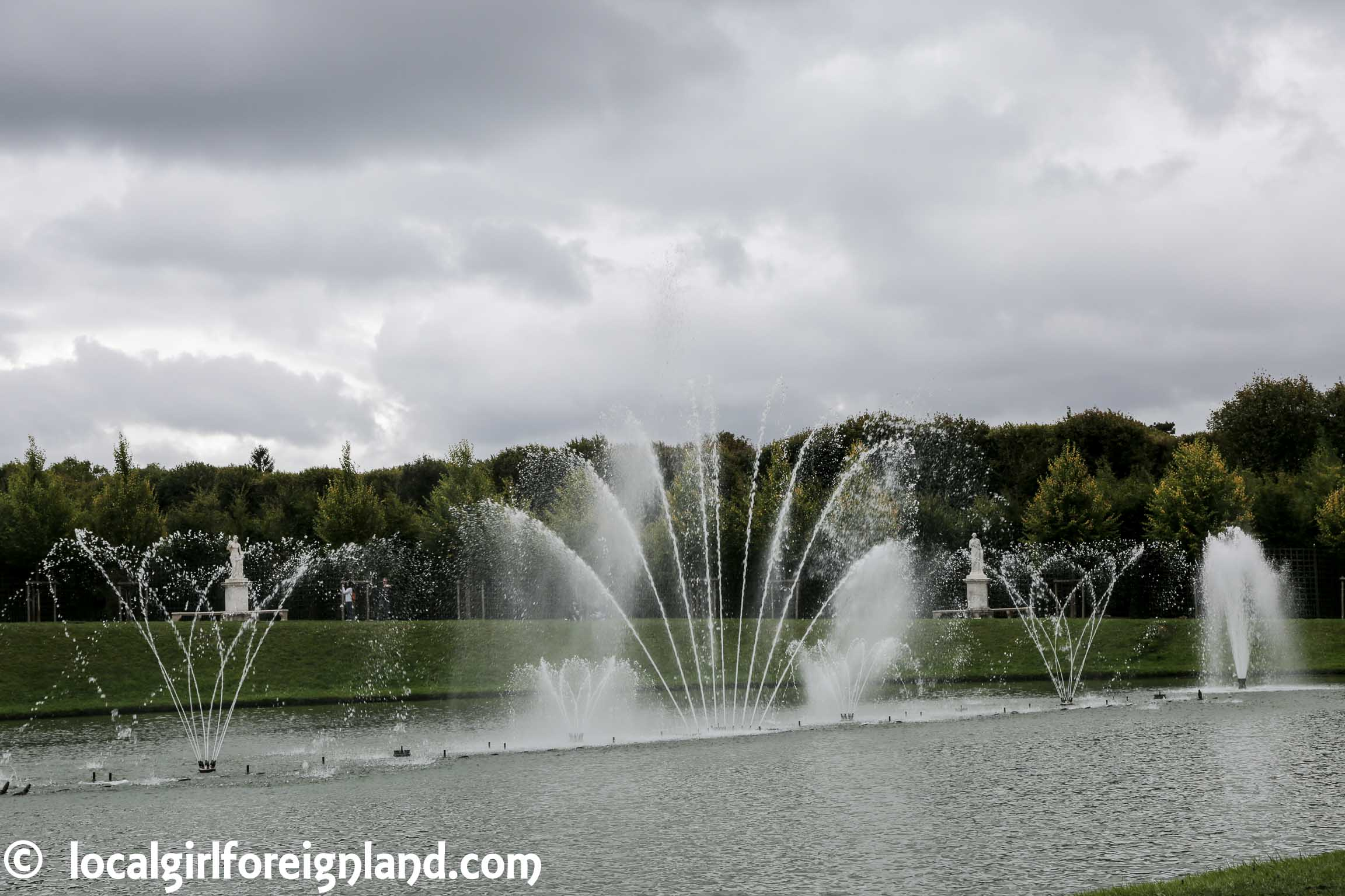 Palace-of-Versailles-garden-8447