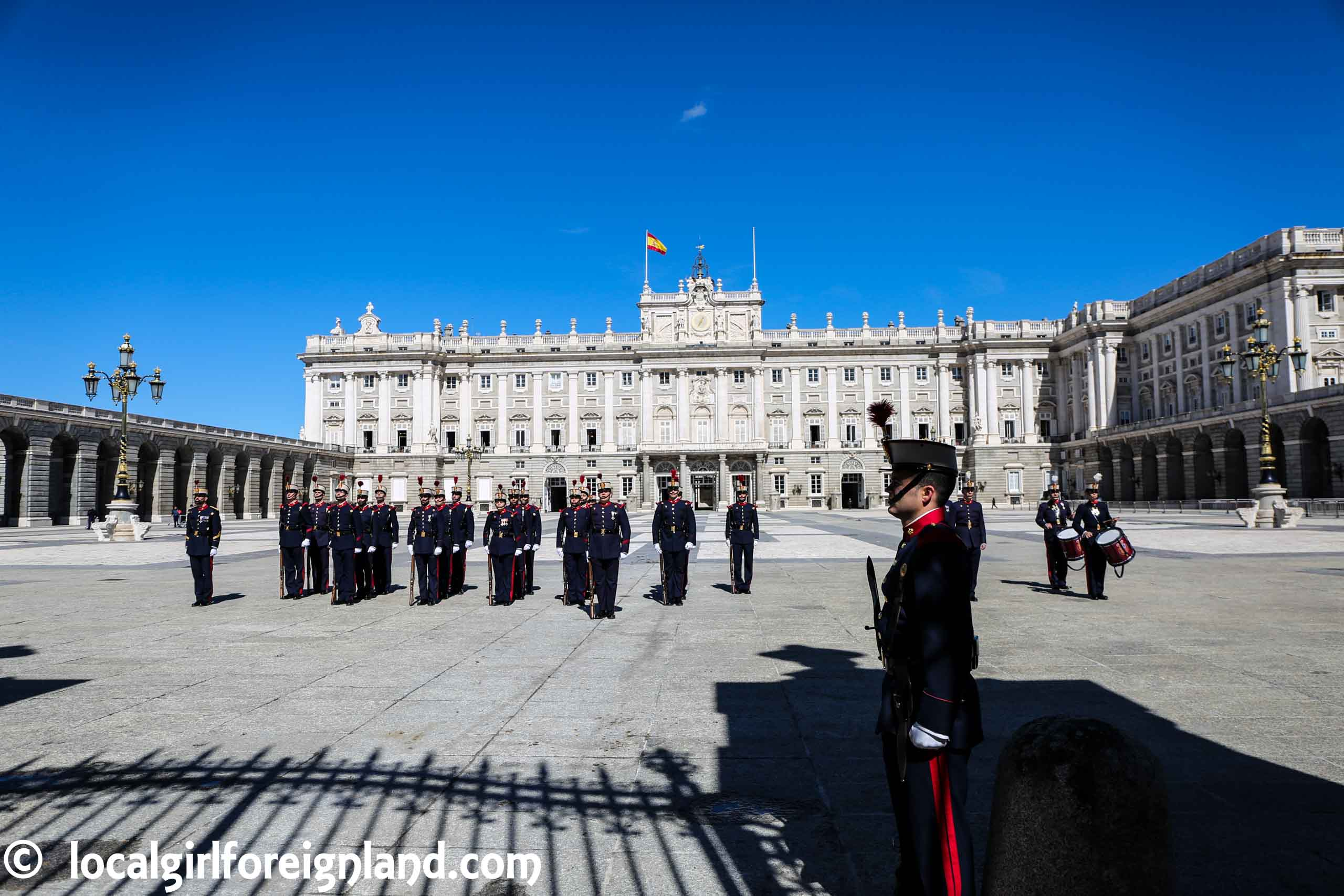 Regular changing of guards, Royal Palace Madrid